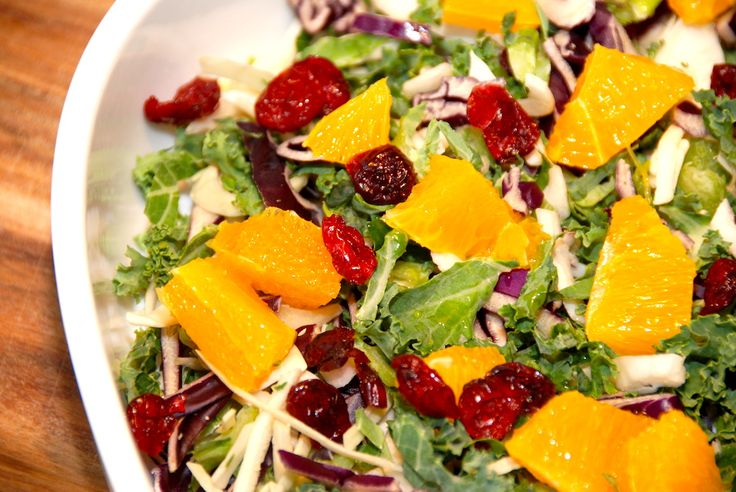 Salat med appelsin og kål er en frisk og let salat, der kan laves med forskellige slags kål. Appelsinsalat er god til stegt flæsk. Salat med appelsin og kål er fremragende til retter med kød, hvor …