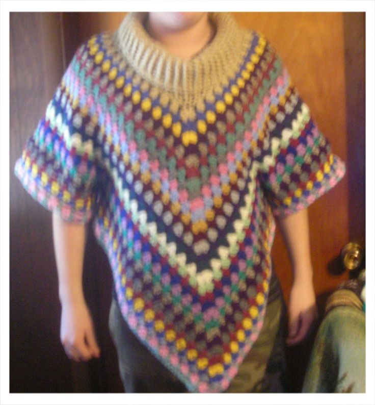 Free Crochet Pattern Poncho With Sleeves : 17 Best images about Crocheted shawls,wraps and sweaters ...