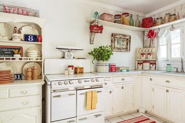 Small Kitchen In Retro Style White Cabinets And Vintage Stove Kitchen Vintage Modern Kitchen Design Kitchen Decor Mid Century Modern Kitchen Design