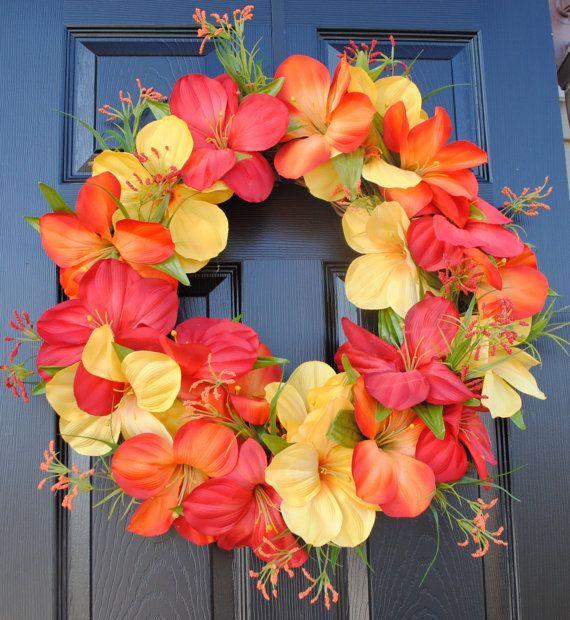 tropical door decor: reminds me of Hawaii!