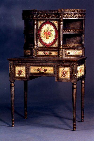 missingsisterstill:  victorian inspired desk aristocratic/english это конечно нереально найти - но выглядит внушительно)))