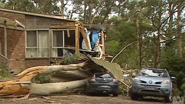 Melbourne weather: Wild wind storms leave 40,000 homes without power with rain, hail and thunder on the way