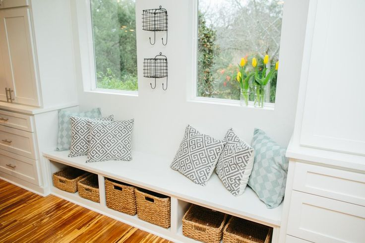 Fixer Upper Bringing A Modern Coastal Look To A Faceless: 1000+ Images About Cottage Additions On Pinterest