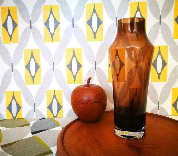 Mid Century Modern vase, MCM Vase, Scandinavian glass, Riihimaki glass vase, Riihimaen Lasi Oy glass vase, Finnish chocolate glass vase