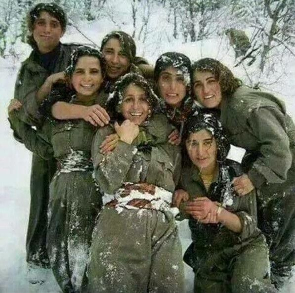 #‎SYRIA‬ and IRAQ NEWS: Update 42 - As Defeat Looms, Islamic State Make Last Ditch Attempt to Reinforce and Hold Ground *For More and Syria News .... http://www.petercliffordonline.com/syria-iraq-news-4 PIC: Kurdish YPJ Fighters in Kobane, Syria Take a Snow Break: