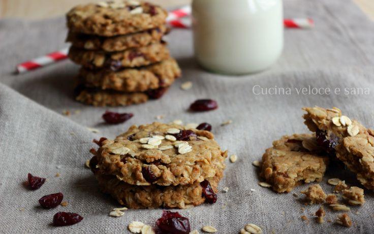 Biscotti ai fiocchi di avena e mirtilli rossi, adoro preparare i biscotti per la colazione di tutta la famiglia, senza uova e latticini, buoni e sani