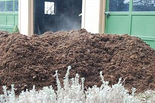 Hometalk :: We will have 3 yards of mushroom compost delivered this week. When I b…