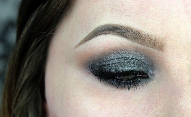Sminkning : grå sotning med Make-Up Studios Sparkling Brown!