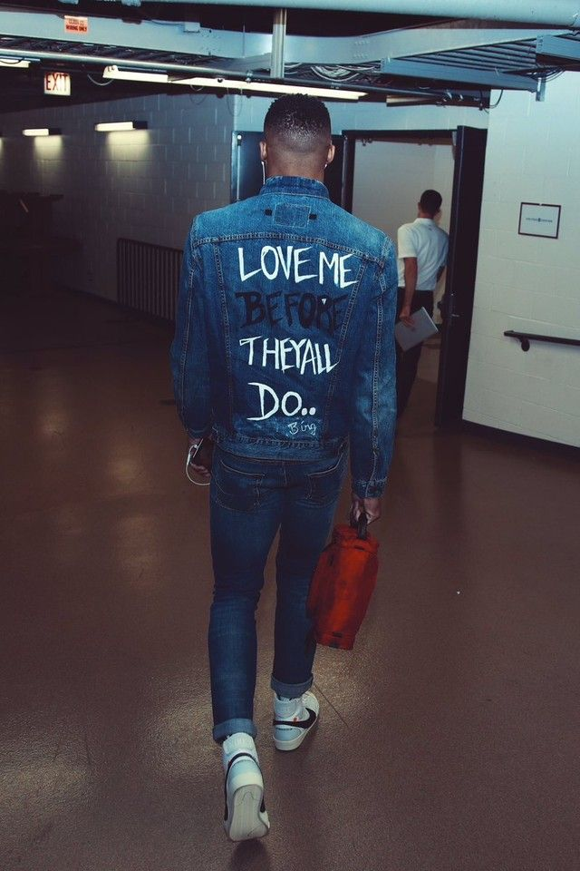 Russell Westbrook wearing  B.íng  Love Me Before They All Do
