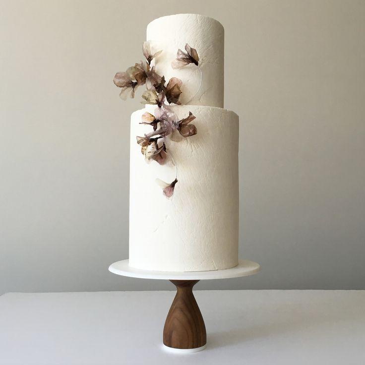 Jasmine Rae Cakes / Wedding Cakes / Wedding Style Inspiration / Simple White Cake with Sugar Flowers / Minimalist / New York / NYC / The LANE