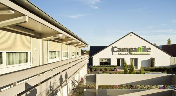 Campanile Cergy-Pontoise Pontoise Campanile Cergy-Pontoise is located less than 2 km from the city centre and the train station. It offers en suite rooms with free Wi-Fi and cable TV.  The hotel restaurant serves a buffet breakfast, lunch and dinner.