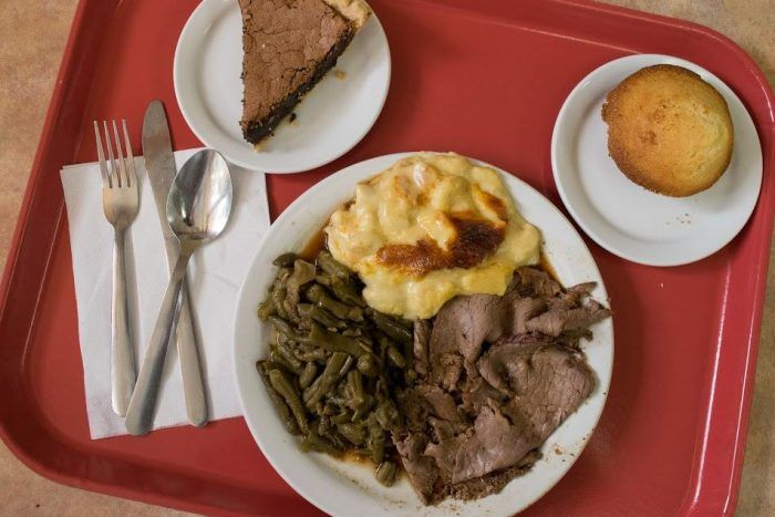 10  Mom & Pop Restaurants In Nashville That Serve Home Cooked Meals To Die For