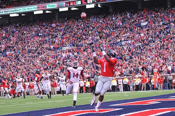 Laquon Treadwell: 2016 NFL Draft Scouting Report - As a true freshman in 2013, Ole Miss wide receiver Laquon Treadwell played in every game with 12 starts. He set Ole Miss Freshman records for receptions (72), yards (608), and touchdowns (5).....