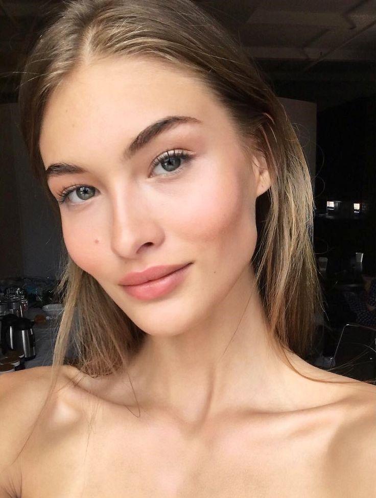 lovegrace_e: Ich bin heute in dieses makellose Make-up für @vspink verliebt. Dank meines guten Freundes @taliasparrowmakeup ist meine Haut wieder lebendig geworden