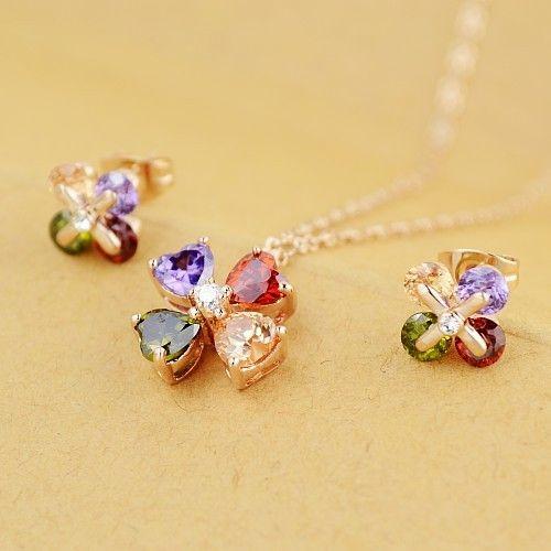 Un set minunat de bijuterii placate cu aur si cristale STELLUX Swarovski de diferite culori. www.bodyandbijoux.ro