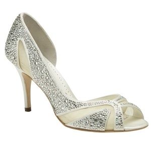 ¿Quieres calzar los zapatos de una princesa? Catherine ha sido creado por Alessandro Pavan tras la boda real de los duques de Cambrige.