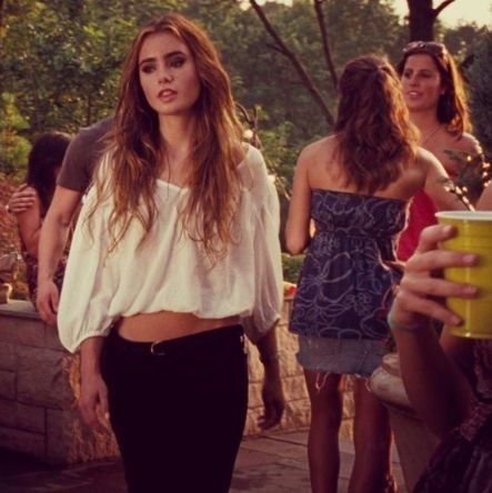 Lily collins hair in abduction