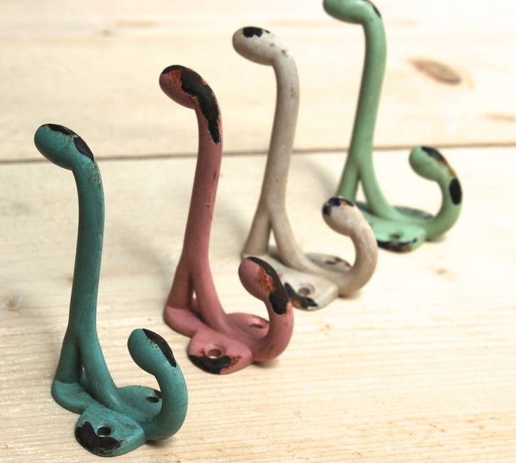 Colourful iron hooksThese hooks are sold individually and come in four colours, faded pink, vintage cream, soft blue and antique green.These hooks look really gorgeous lined up in either a mixed up set of colours or grouped. They are really practical, being a good size for larger items like coats, but likewise just lined up on the kitchen wall for cups or tea towels. Because of their lovely heritage colours , they add a great vintage feel to any room.100% pewter, hand-coloured.5 x 4 x 9 cm