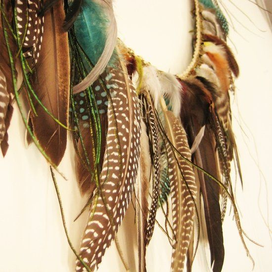Find out how to make a feather garland. easier than you think.