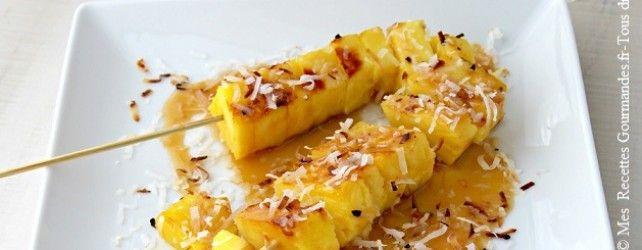 Brochettes d'Ananas Grillé , Sauce au Caramel de Noix de Coco