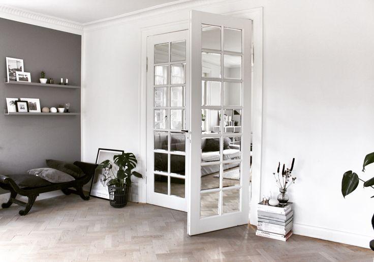 Elsker de fine gamle døre i vores hus #fløjdøre# følg min blog www.lykkestunder.dk
