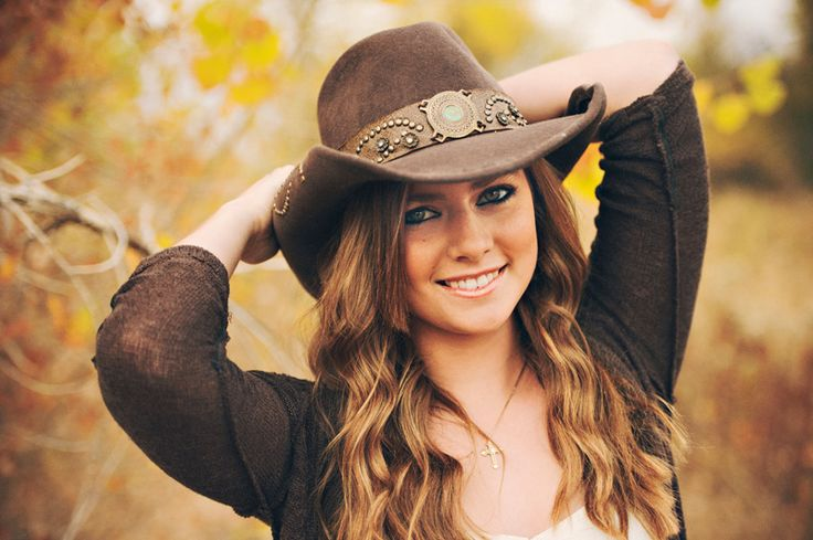 Lots of senior picture ideas! (Anna - 2013 Bishop Kelly Senior | Boise Senior Photographers | Country Session)