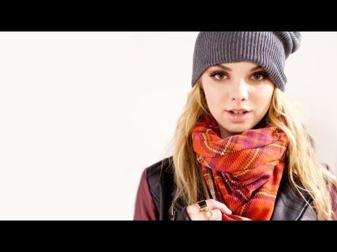 Nordstrom Scarves: 8 Easy Scarf Looks for Fall - YouTube - Also so obsessed with this. Love the video aesthetics and the tips!