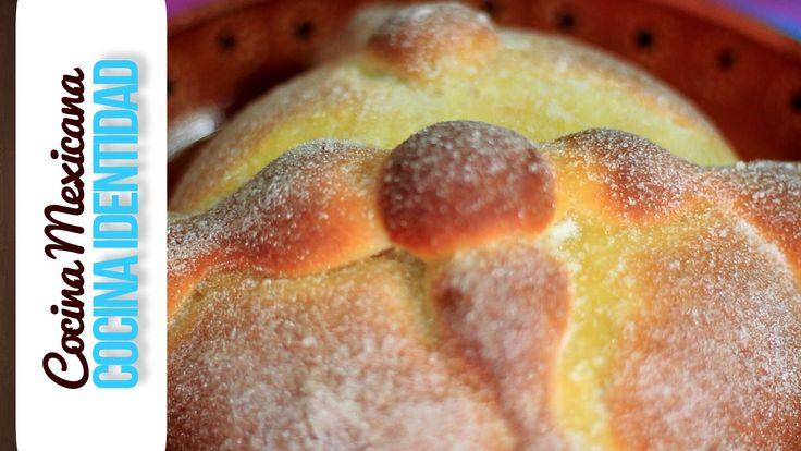 Como hacer Pan de muerto. Panadería mexicana. En este video Yuri de Gortari nos enseña como hacer esta receta mexicana. Receta fácil y rápida. En Cocina Iden...