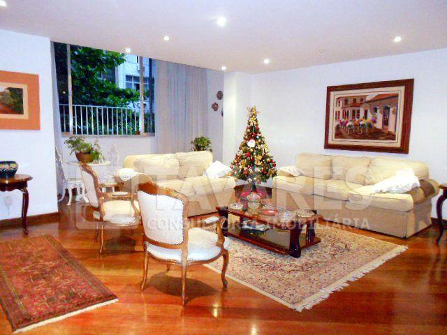 Posto 2! Amplo apartamento, claro e arejado, living em dois ambientes.  4 Quartos | 1 Suíte | 1 Vaga de Garagem | 185 m²  #RioDeJaneiro #Copacabana #JTavares #JTavaresCopacabana #ImoveisDeLuxo #ImoveisDeLuxorj #Imoveisdealtopadrao #ImoveisdealtopadraoRJ #Imoveisrj #Imoveis #Imóveis #Imovel #Imóvel #Imoveldodia #Imovelavenda #Imoveldeluxo #Altopadrao #Altopadrão #Altopadraorj #Altopadrãorj #Apartamento #Apartamentos #Apartamentorj #Apartamentoavenda #Apartamentotop