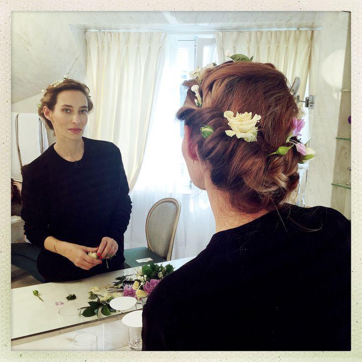 Flowers couronne tress e de fleurs id e coiffure beauty full pinterest coiffures et fleur - Coiffure couronne tressee ...