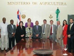 RD y Reino Unido inician negociaciones para exportar productos locales