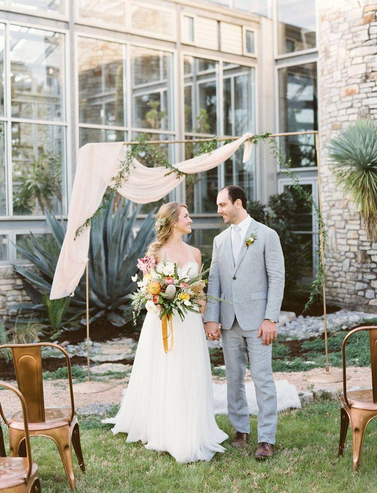 Sweet Southwestern Greenhouse #Wedding Inspiration #Texas #weddingstyle Lindsey Farrell