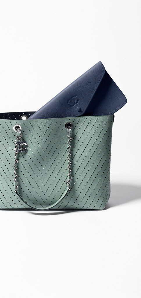 Large tote, perforated grained calfskin-green & navy blue - CHANEL