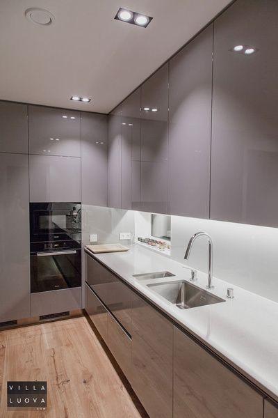 keittiö,harmaa,moderni,hella,mikro,hopea,pesuallas,tyylikäs,keittiön tasot,ke