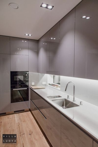 keittiö,harmaa,moderni,hella,mikro,hopea,pesuallas