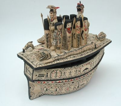 barcos mágicos chocoanos,artesanias de colombia...  Magic Boats or Spiritual Boats are carvings made from Wounaan people in the Pacific of South America.