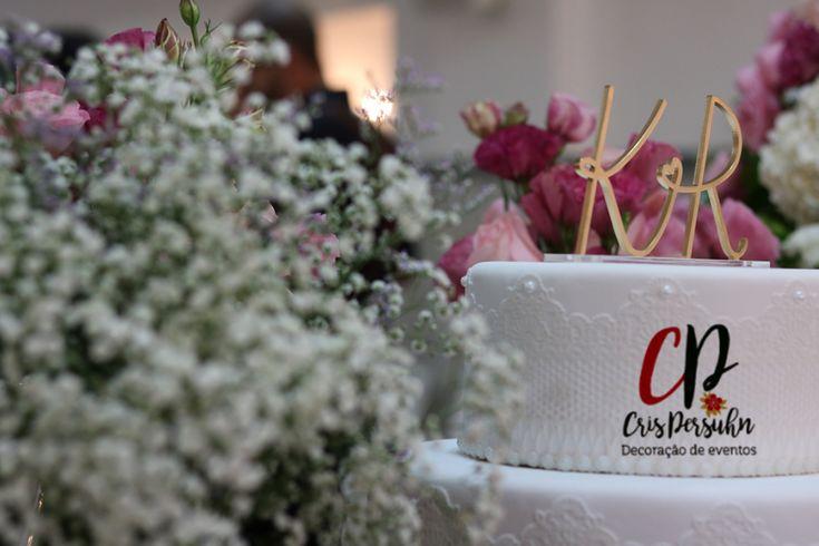 Arranjo e bolo para casamento rústico