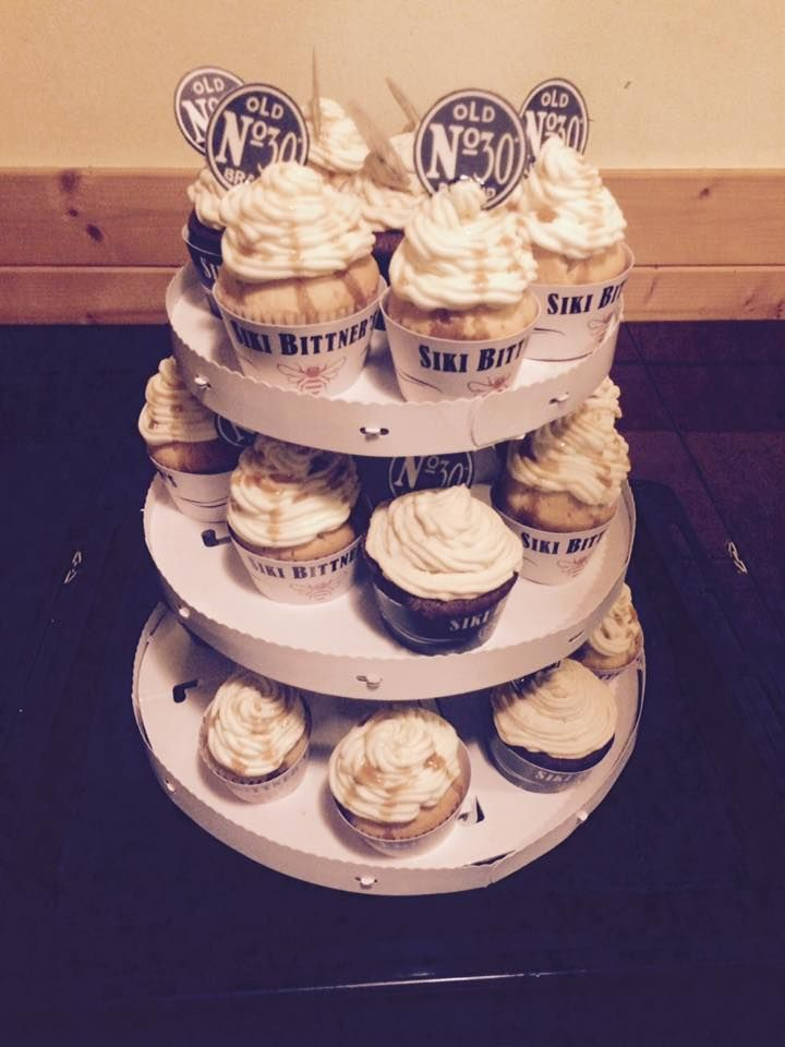 Jack Daniel's cup cake