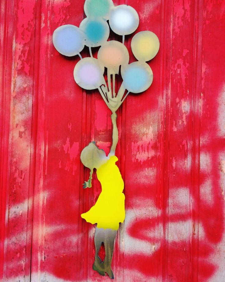 Pra onde será que ela vai? #balões #paineldeferro #artesanatomineiro #artesanato#decoração #decoraçãomineira #decorar