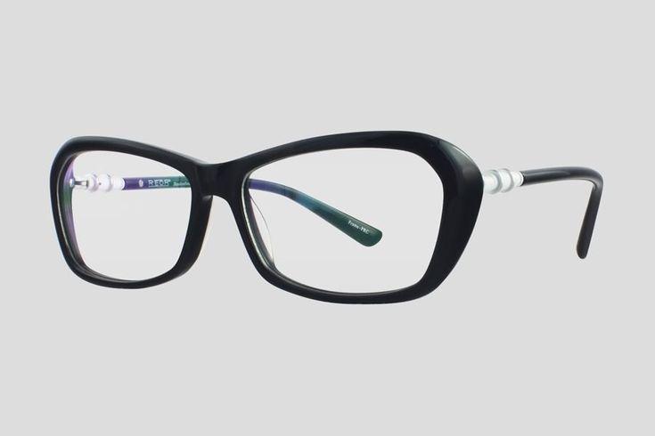 #Brillen van Reor. Dit is de Blanche (art. nr. F10.660FBL), complete bril vanaf € 39.90. #Montuur van zwart met wit acetaat. Verkrijgbaar in meerdere kleuren.