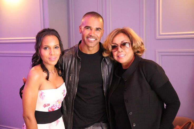 """This is simply an honor to stand between these two Amazingly talented and extraordinary women!!!!!"" - Shemar Moore"