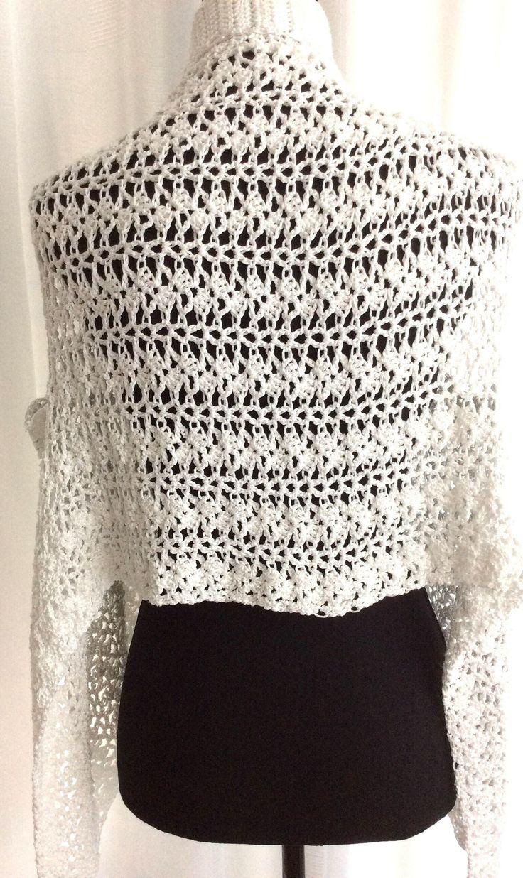 Een persoonlijke favoriet uit mijn Etsy shop https://www.etsy.com/nl/listing/525212396/bolero-wit-zomer-hesje-vestje-sjaal