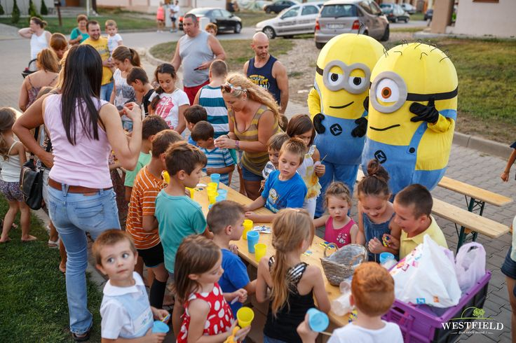 Minions in Westfield Arad. #westfield #minions #happyLife #happiness #kids #fun #home #residential