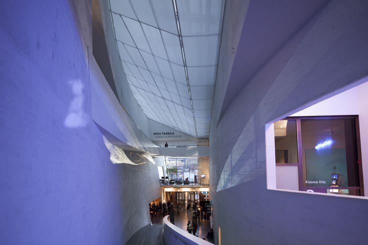 Kiasma lobby seen from the ramp | Photo: Finnish National Gallery / Pirje Mykkänen