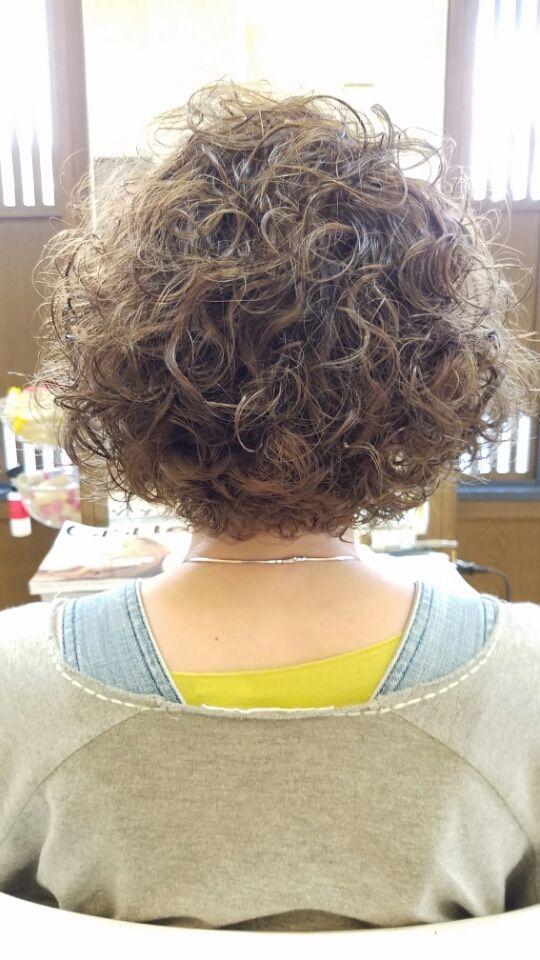 クリクリパーマのゆうこちゃんのご来店。PH移行還元でダメージ毛にも綺麗にかかりますよ❗