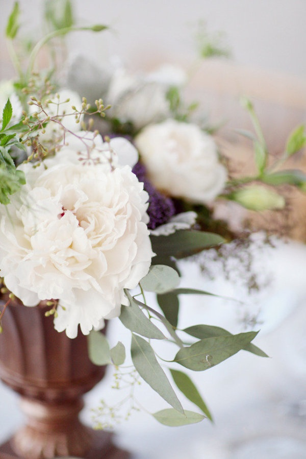 wild, ultra-organic looking floral centerpieces  Photography by http://simplybloomphotography.com, Floral Design by http://srqeventdesigns.com