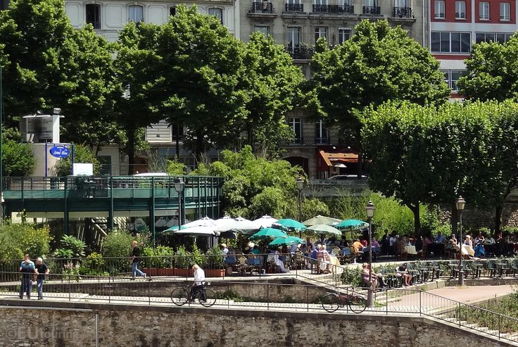 11 best images about canal saint martin on pinterest the boat boats and columns. Black Bedroom Furniture Sets. Home Design Ideas
