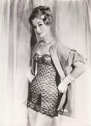stunning vintage corset lingerie girdle merry widow ...