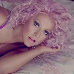 """Love Christina Aguilera's hair in her new video """"Your Body"""""""