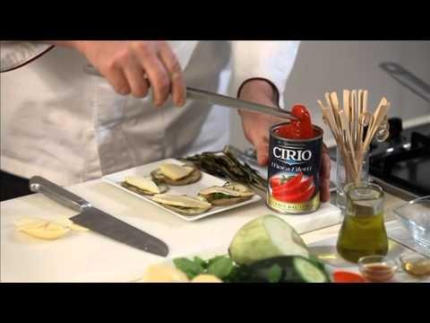 Parmigiana sullo stecco con fiordifiletti, mentuccia e provola - #Cirio http://www.cirio.it/pdf/ricetta-cirio-parmigiana.pdf
